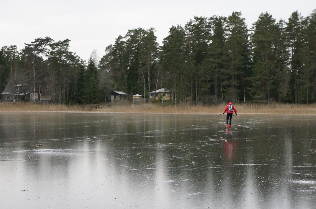 Jag var inte ensam ute på isen, spåren syntes efter flera åkare